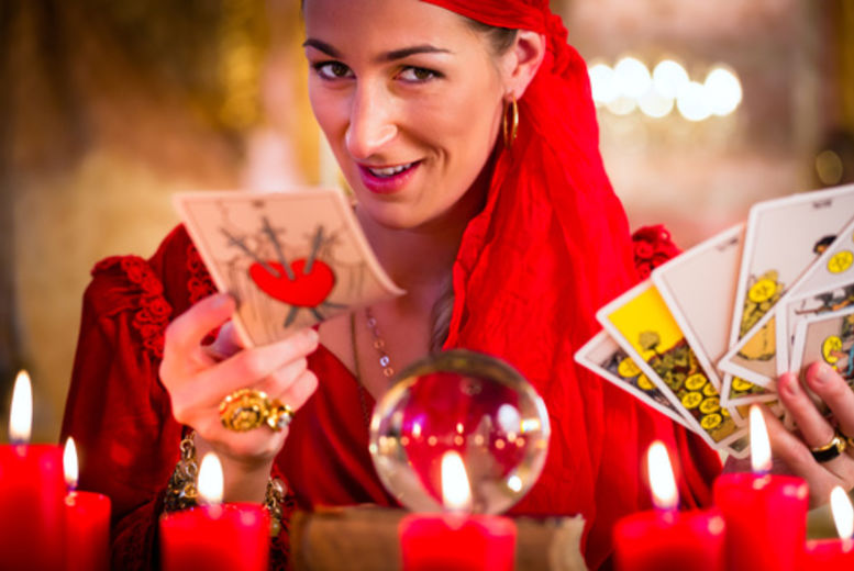 £19 instead of £199 for an online intuitive tarot course from Suzi Edwards - save 90%