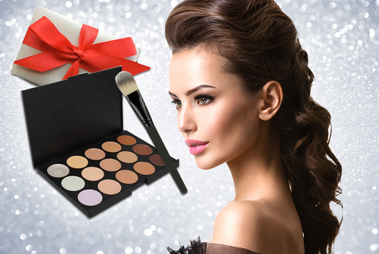 £3.98 instead of £19.98 (from LaRoc) for a 15-shade concealer contour makeup palette and soft foundation brush, £5 to get it gift wrapped - save up to 80%