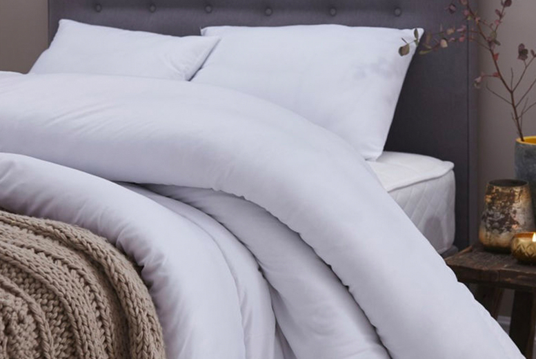 £9.99 instead of £34.99 (from Direct Warehouse Limited) for a single super bounce back 7.5 tog duvet, £10.99 for a double duvet, £12.99 for a king size duvet or £13.99 for a super king size duvet – save up to 71%
