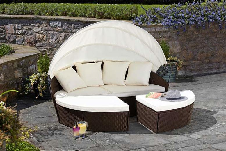 Rattan Daybed with Optional Cover – 3 Colours, 3 Sizes & Optional Cover! (£259)
