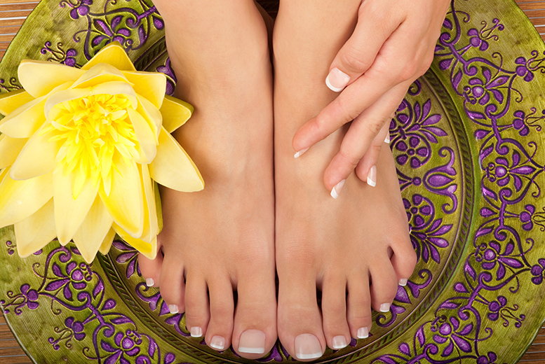 £12 for a 30-minute reflexology treatment, £19 including 30-minute aromatherapy massage at B's Beauty & Holistic Therapy, Aldridge - save up to 40%