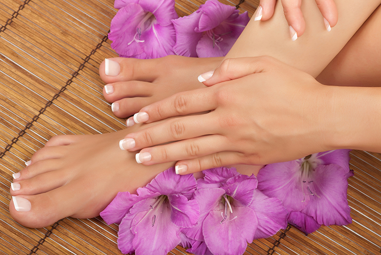 £39 for three sessions of laser fungal nail treatment on up to ten nails at Naturalaser - choose from 12 Scotland and Cambridge locations and save up to 83%