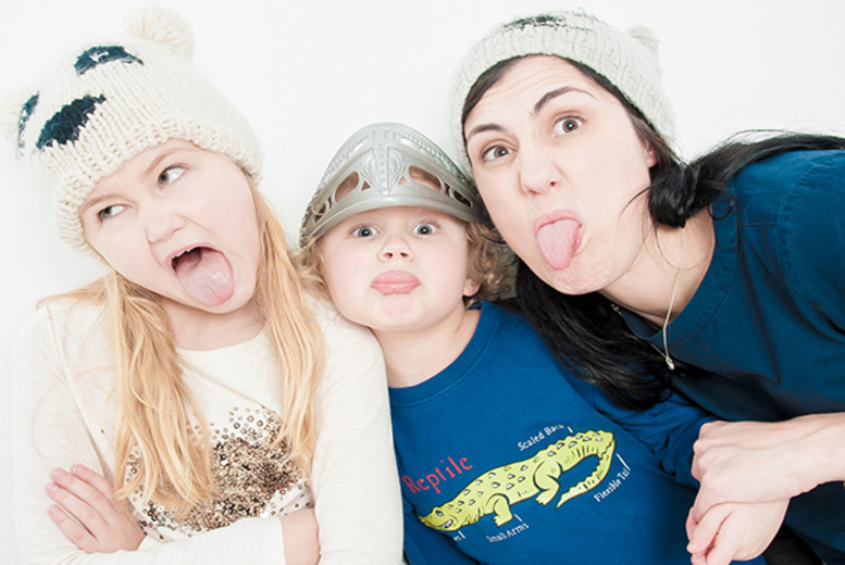 "£8 for a family photoshoot inc. a 10"" x 8"" framed print or two 7"" x 5"" prints with Clearvision Imagery, Kibworth in Leicester - save up to 91%"