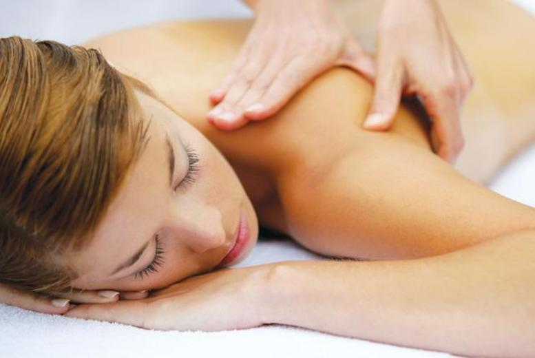 £19 instead of up to £40 for a choice of 60-minute aromatherapy or Swedish massage at Head to Toe Professional Treatment Centre, Leicester - save up to 52%