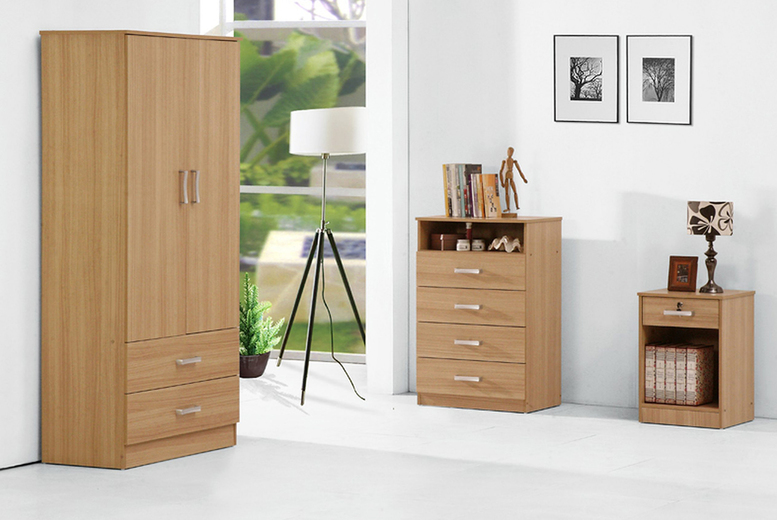 From £13 instead of £70 (from UKFurniture4U) for an individual piece of Wrexham bedroom furniture or £130 for a three piece Wrexham bedroom furniture set – save up to 81%