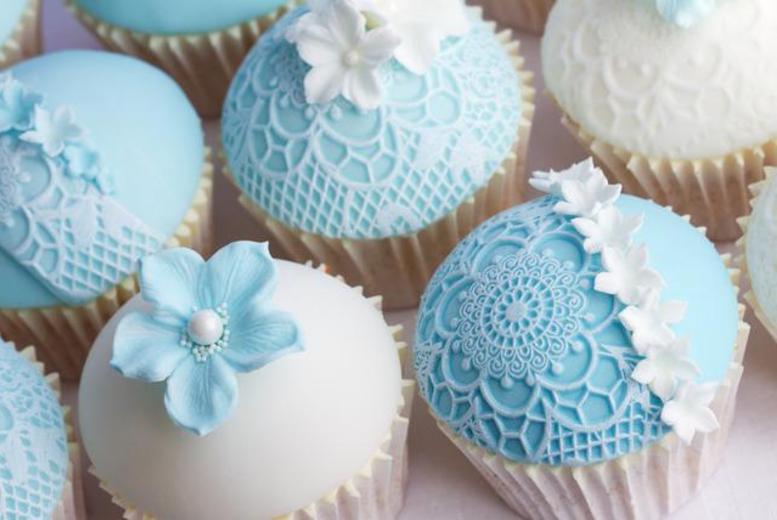 £149 for a cupcake tier wedding cake inc. a top tier cake & 60 cupcakes, or £169 for a 3-tier wedding cake from Vanilla Nova, Southport - save up to 50%