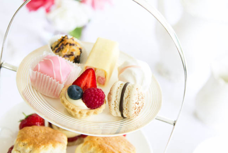 £20 instead of £40 for vintage afternoon tea and wine for 2 at Cupcakes For You, Glasgow - save a delicious 50%
