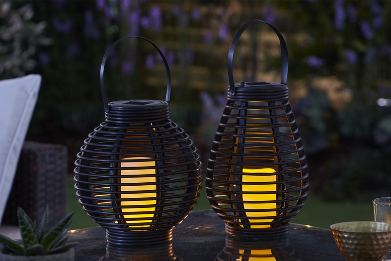 Rattan-Effect Solar Candle Lantern – 2 Sizes! (£9.99)