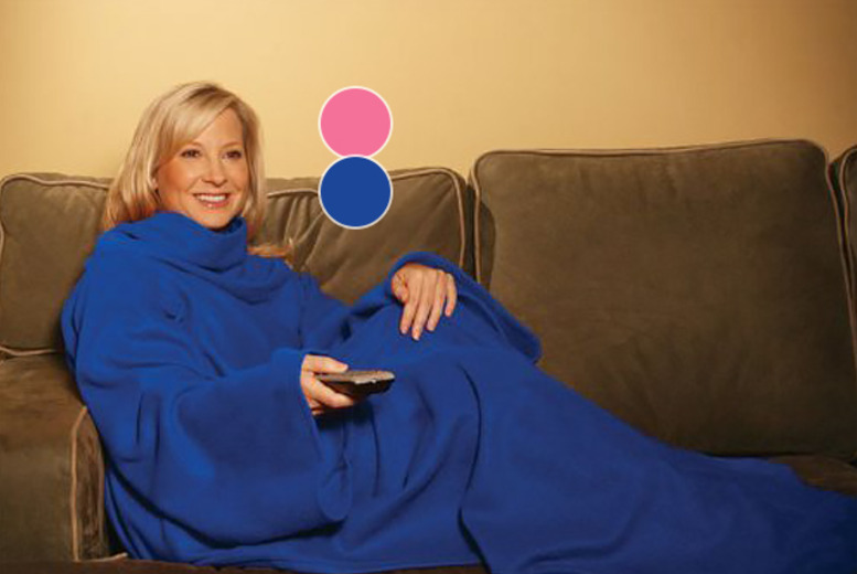 £5.99 instead of £29.99 (from Digital Warehouse) for a Snuggie super soft fleece sleeved blanket - stay snuggly and save 80%