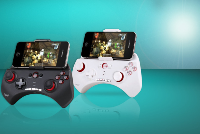 £19.99 (from London Exchainstore) for a Bluetooth wireless gamepad to use with your iPhone, Android smartphone or tablet PC - save 56%