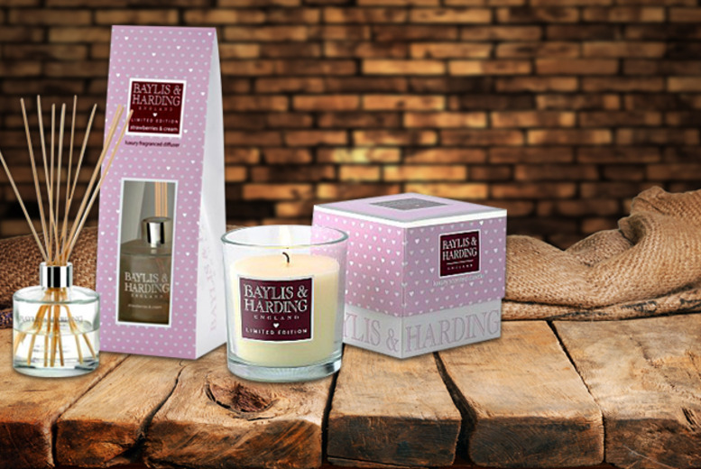 £12.99 instead of £25.01 for a Baylis & Harding candle & diffuser set in a choice of fragrances from Wowcher Direct - save 48%