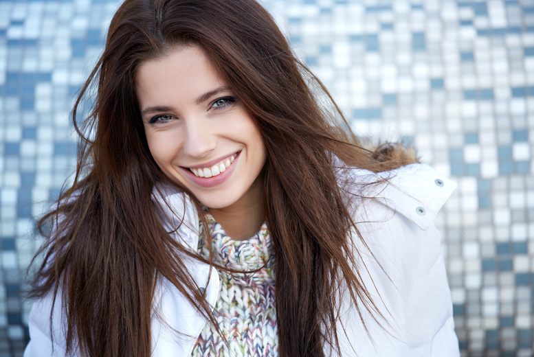£99 for a session of Phillips Zoom! teeth whitening at The Smile Centre, Whitefield
