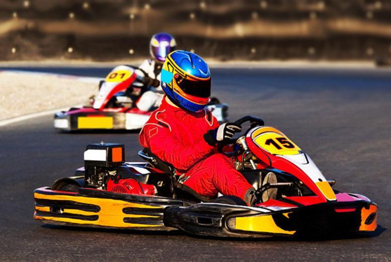 £17 for 60 laps of indoor karting, £26 for 100 laps, £34 for 60 laps for 2 people, £52 for 100 laps for 2 with Ace Karting - save up to 51%