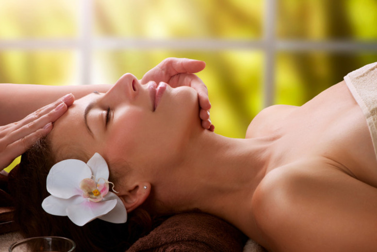 £39 instead of up to £130 for a 90-minute pamper package for 2 at Vogue Laser and Beauty Lounge, Acton - save up to 70%