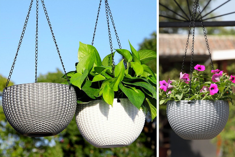 Rattan-Effect Hanging Flower Basket – 2 Sizes & 6 Colours! (£8.99)