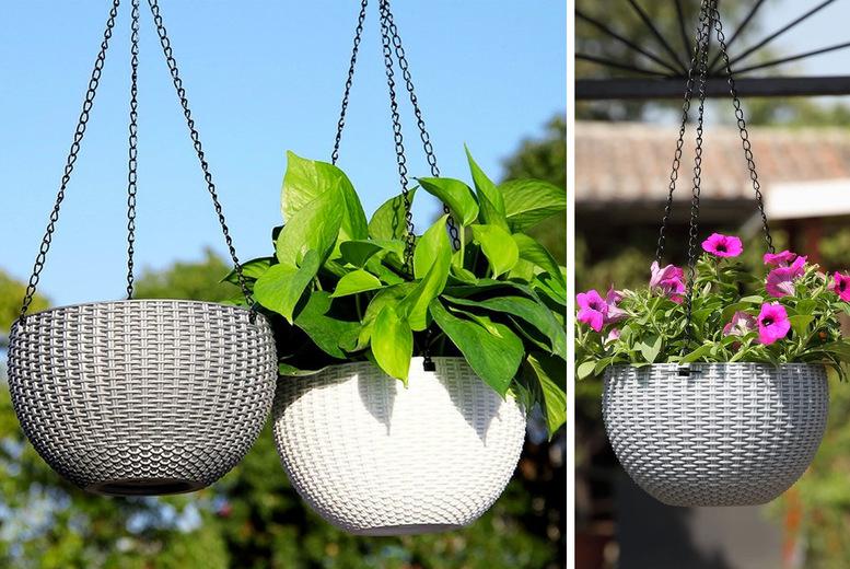 Rattan-Effect Hanging Flower Basket – 2 Sizes & 6 Colours! (£8.99)