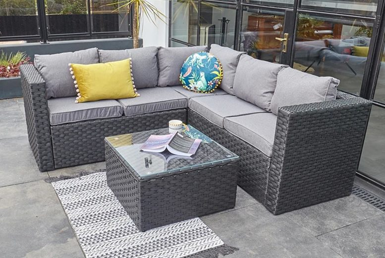 5-Seater Yakoe Monaco Rattan Outdoor Sofa Set (£549)