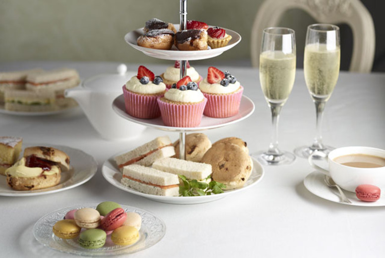 £24 for an afternoon tea for 2 including a glass of Prosecco each at Grappolo, Holborn