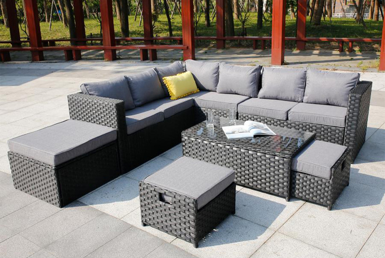 9-Seater Corner Rattan Garden Furniture Set – Cover Option! (£779)