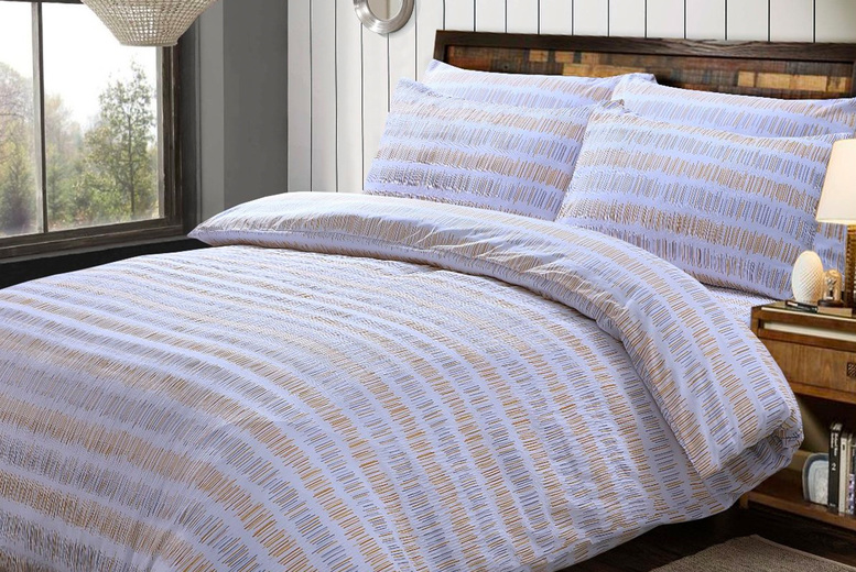 From £9.99 (from Five Minutes More) for a Sleepdown seersucker stripe bedding set – choose from three colours!