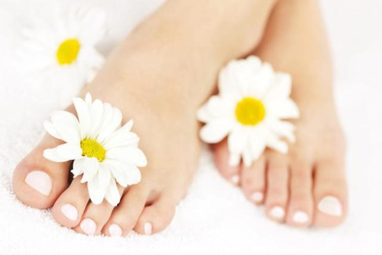 £19 instead of up to £65 for a fungal toenail treatment at Happy Health Clinic, Harley St or Islington - save up to 71%