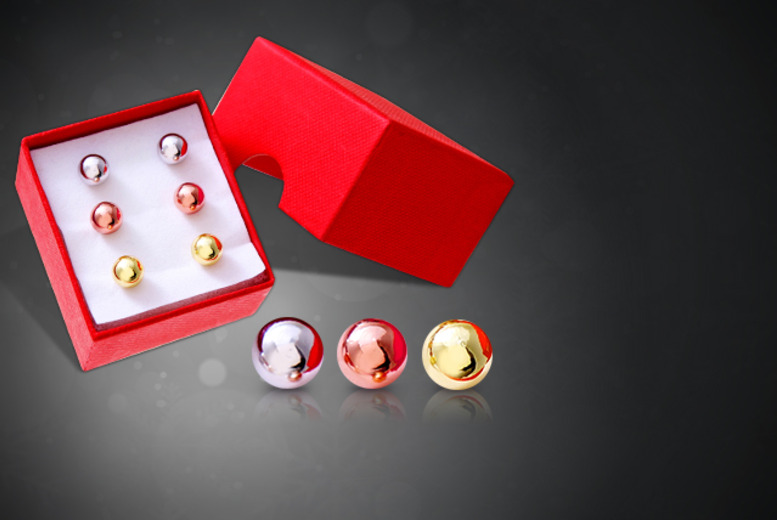 £15 instead of £99.95 (from The Gemseller) for three pairs of gold-plated stud earrings - save 85%
