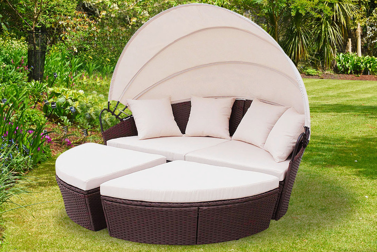 Mixed Brown Rattan Garden Daybed (£399)
