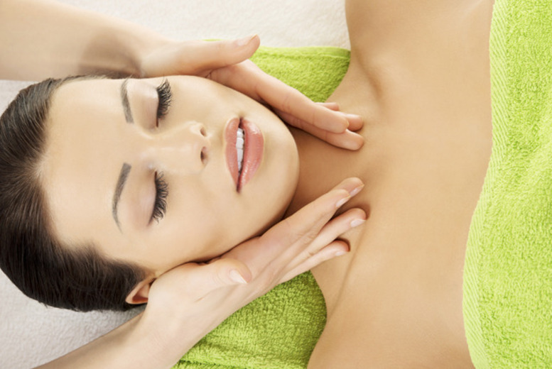 £19 for a 2hr pamper package including a Dermalogica facial with face mapping & a luxury manicure at Eos Beauty, Edinburgh