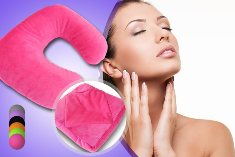 £11 for a 6-in-1 travel cushion from Wowcher Direct