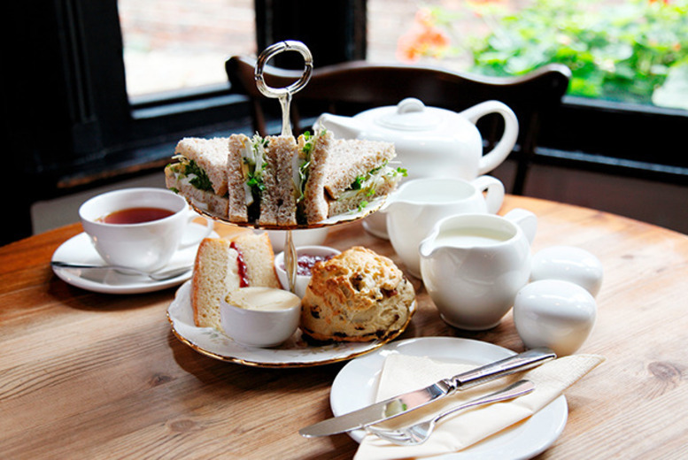 £16 instead of £27.40 for traditional tea, cake and sandwiches with wine for 2 at The Victorian Restaurant, Birmingham - save 42%