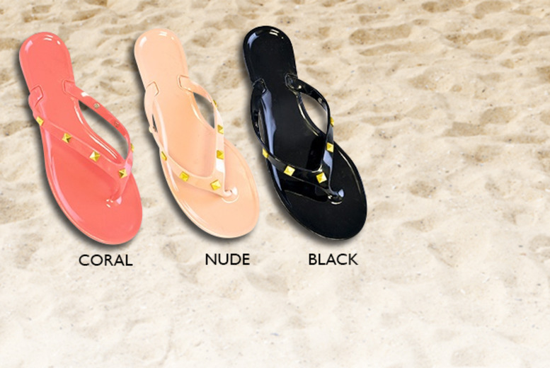 £9 instead of £24 (from Urshu) for 2 pairs of jelly sandals in your choice of 7 colours, valid in sizes 4-7 - save 62%