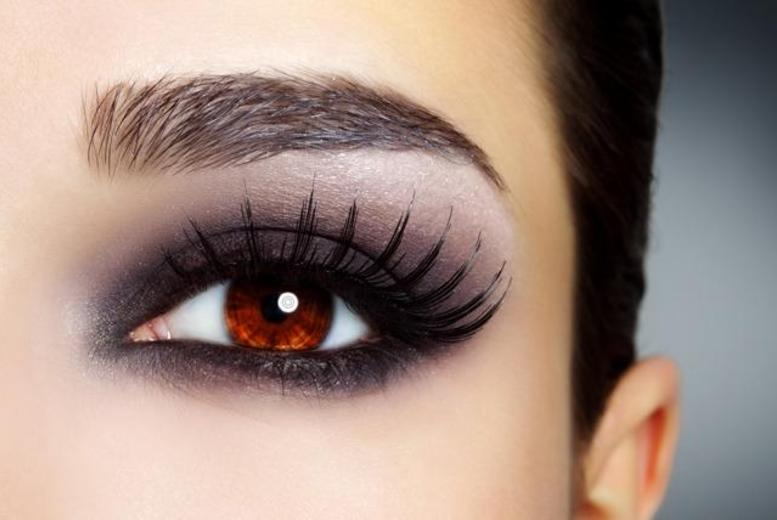 £29 instead of £108 for a full set of 'Lash FX' eyelash extensions plus an eyebrow wax and tint at Boom Boom Beauty Room, Arnold - save 73%