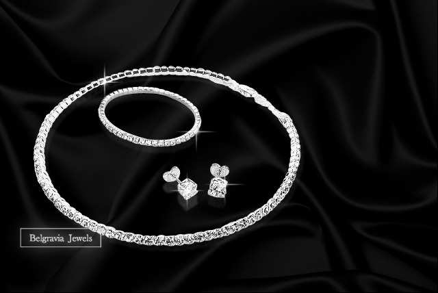£19 instead of £119.99 (from Belgravia Jewels) for a Swarovski Elements crystal jewellery set inc. necklace, earrings and bracelet - save 84%