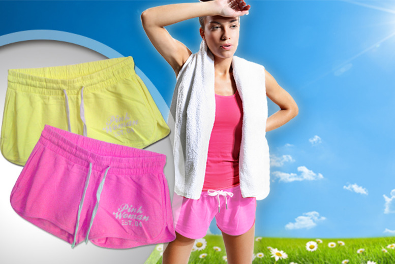£9.99 instead of £21.98 (from UK Stock) for two pairs of shorts made from 100% cotton - save 55%