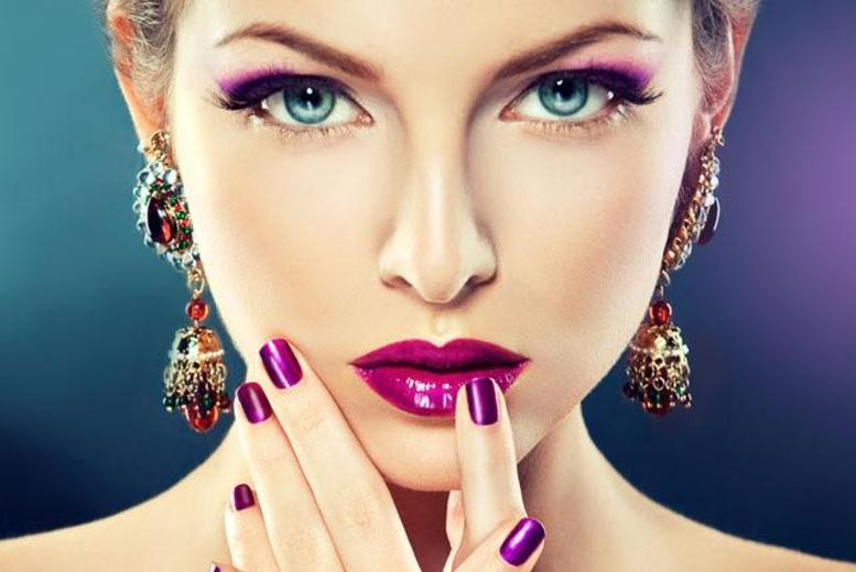 £14 instead of £50 for a Shellac manicure and pedicure at Miss Couture, Birmingham - get shiny new nails and save 72%