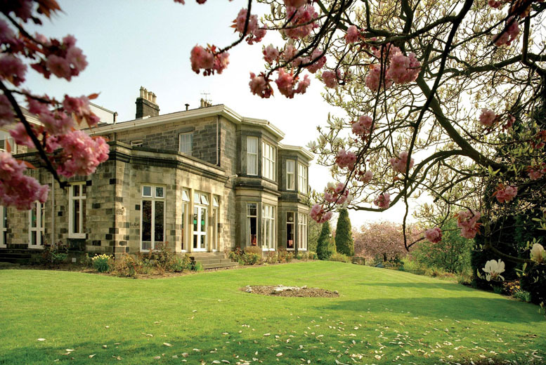 £99 instead of up to £170 (at Halifax Hall, Sheffield) for a 1nt break for 2 inc. 2-course dinner, late checkout & breakfast – save up to 42%