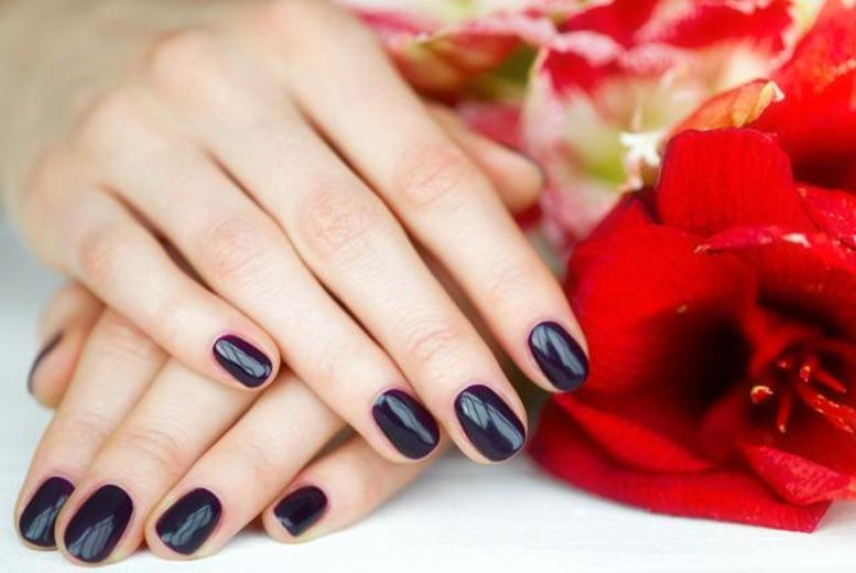 £9 instead of £26 for a Shellac manicure & hand massage from Crystal Nails, Birmingham - save 65%