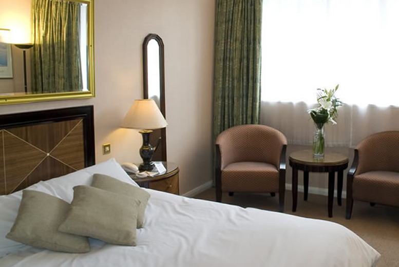 From £49 (at Britannia Hotel Manchester) for an executive overnight stay for 2 people inc. breakfast and wine, from £59 with 3-course dinner - save up to 45%