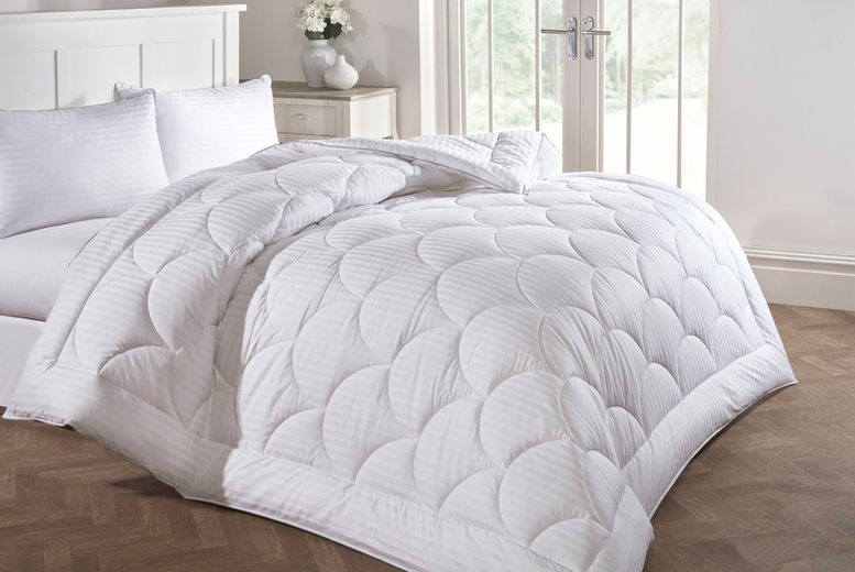 £49.99 for a double Australian wool duvet, £59.99 for a king size wool duvet or £65 for a super king size wool duvet from Cascade Home!