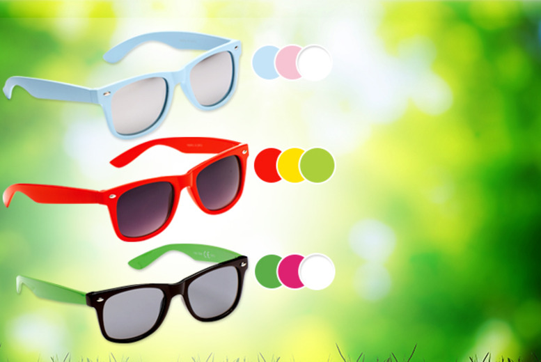 £6.99 for a pair of young and trendy sunglasses in a choice of colours from Wowcher Direct + DELIVERY INCLUDED