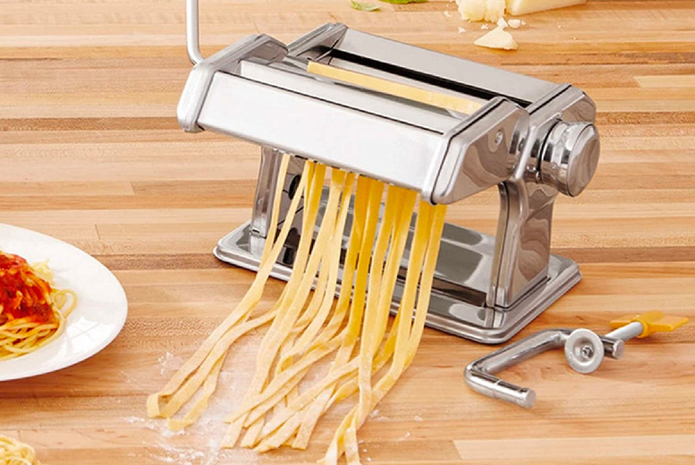 £14.99 instead of £39.99 for a stainless-steel manual pasta making machine from Eurotrade - save 63%