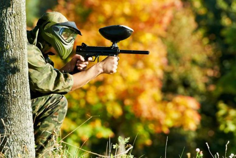 £4.99 for a paintballing day for 5 inc. 100 paintballs and a hot lunch each, £8.99 for 10 people at Paintball Park, Kidderminster - save up to 90%