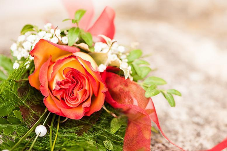 £29 instead of £399 (from SMART Majority) for a 3-month online flower arranging course - save 93%