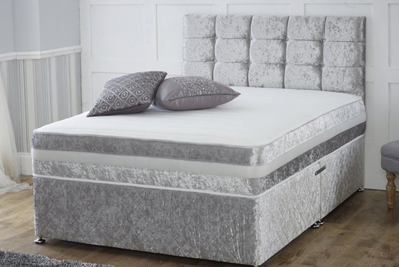 From £69 instead of £320 for a crushed velvet divan bed and memory foam mattress in black, champagne gold, gunmetal grey or silver and memory mattress - choose from two or four drawers and save up to 78%