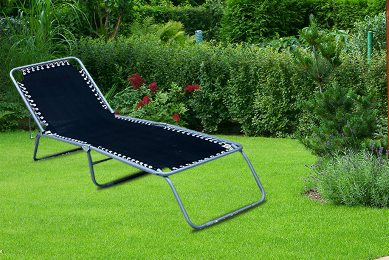 £29.99 for a zero gravity garden sun lounger from Wowcher Direct!