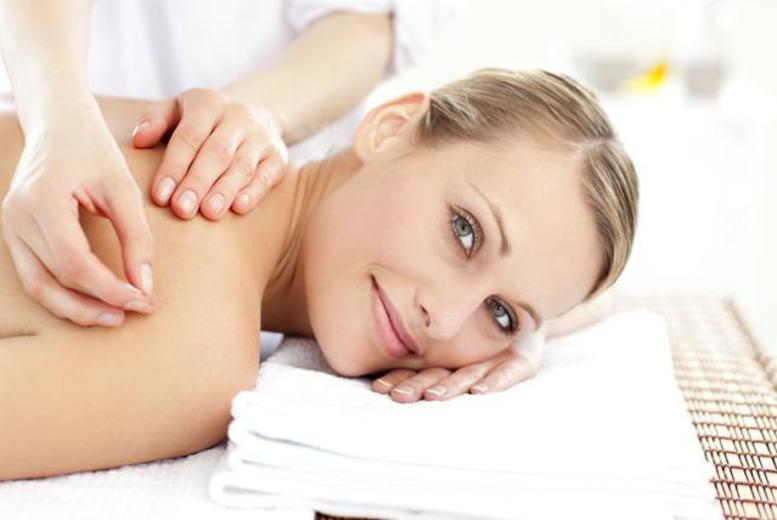 £15 instead of £55 for a massage and acupuncture treatment at Tianyi Clinic, Hampstead - save 73%