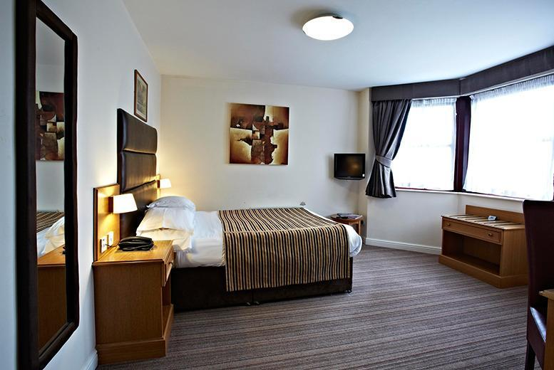 £29 (at Dubrovnik Hotel, Bradford) for a 1nt stay for 2, £39 inc. b'fast, £99 for a 2nt stay inc. b'fast, dinner, bubbly and chocolates - save up to 47%