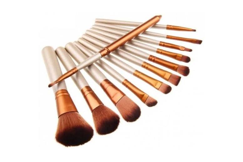 Image of 12Pc Makeup Brush Set & Metal Case   Living Social