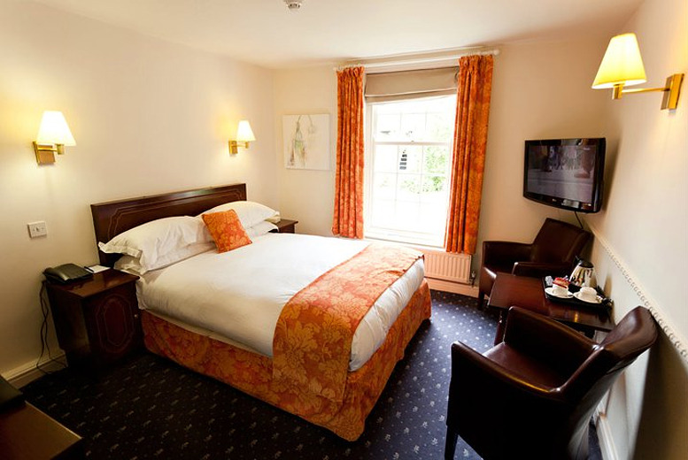 From £99 (with Great Little Breaks) for a 1nt stay for 2 at Best Western Mosborough Hall Hotel inc. breakfast and tkts to Chatsworth House - save up to 38%