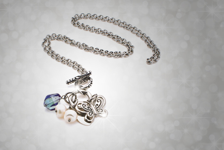 £8 for a dragonfly necklace, £18 for a butterfly bracelet or £22 for a butterfly necklace - save up to 56% + DELIVERY INCLUDED